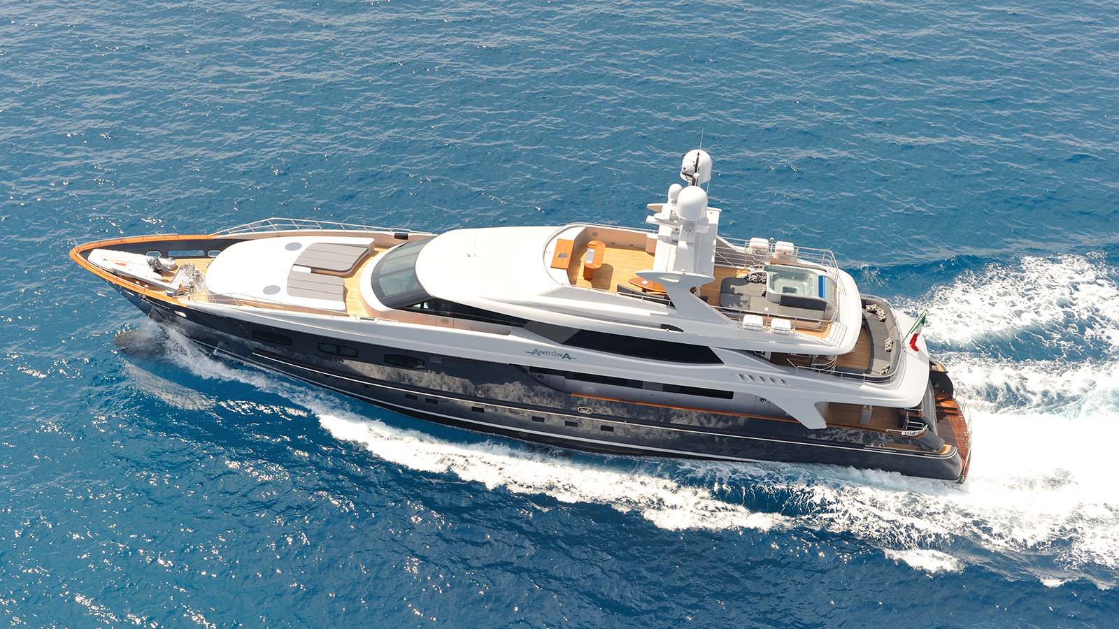 luxury yacht IRA cruising
