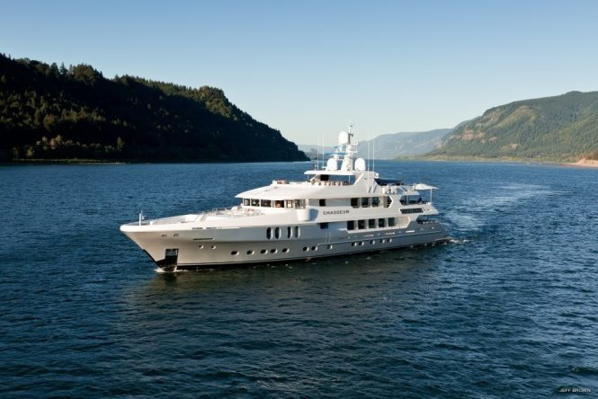CHASSEUR crewed superyacht