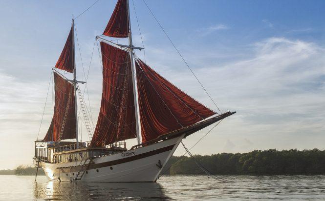 Custom built TIARE sailing yacht