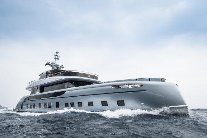 Dynamiq GTT 115 Hybrid superyacht