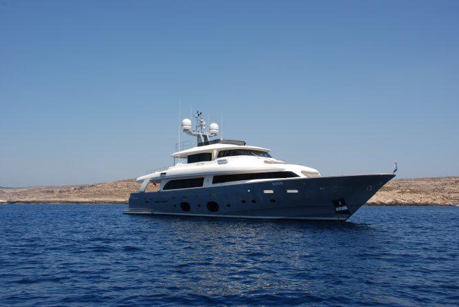 Luxury motor yacht SEVENTH SENSE