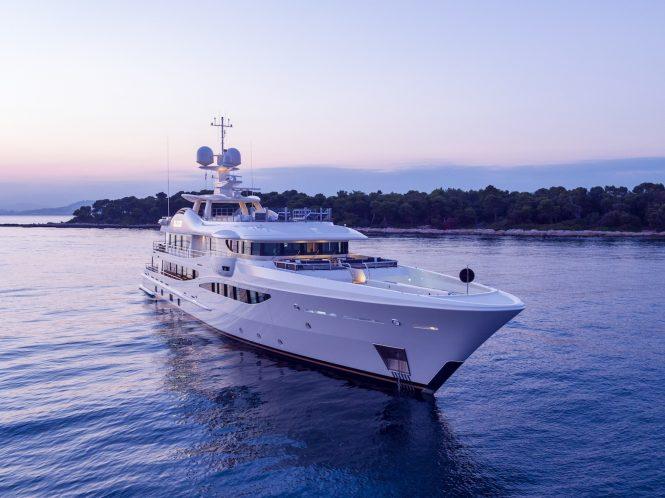 Motor yacht ELIXIR