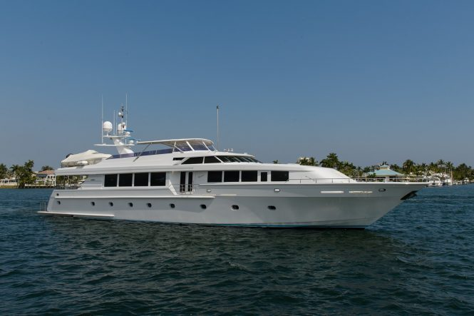 Motor yacht SAVANNAH available for charter in New England
