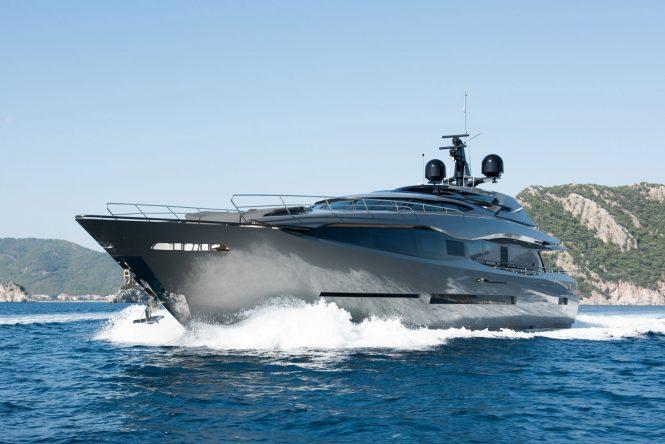 Peri Motor Yacht FX