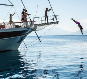 Enjoy '8 nights for the price of 7' in Greece with charter yacht ERATO