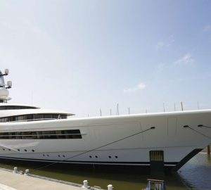 Video: Feadship megayacht Anna (ex Project 1007) leaving shipyard