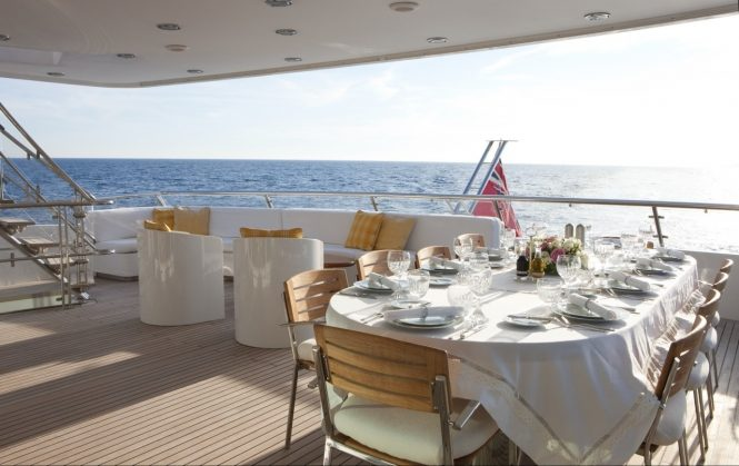 Fantastic alfresco dining set up with amazing views