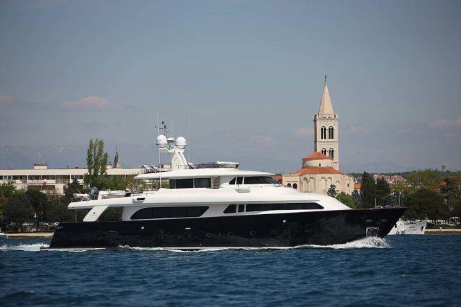 KLOBUK motor yacht