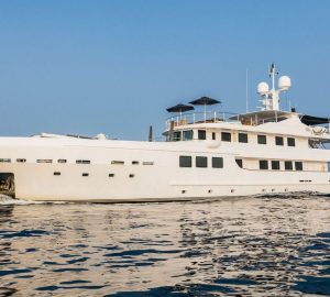 Last-minute price reduction for Balearics motor yacht OUT in late July