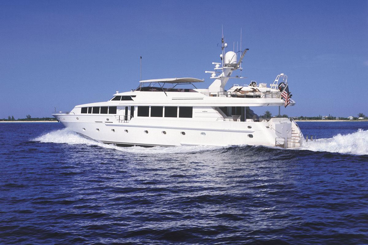 Running profile of New England charter yacht SAVANNAH