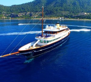 M/Y CLARITY at a GREAT rate for charters in the Bahamas