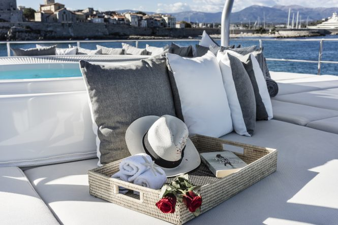 Jacuzzi with sunpads for complete relaxation onboard