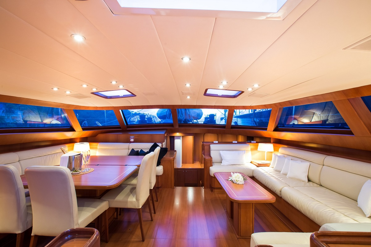 Saloon and dining area aboard sailing yacht RAPTURE