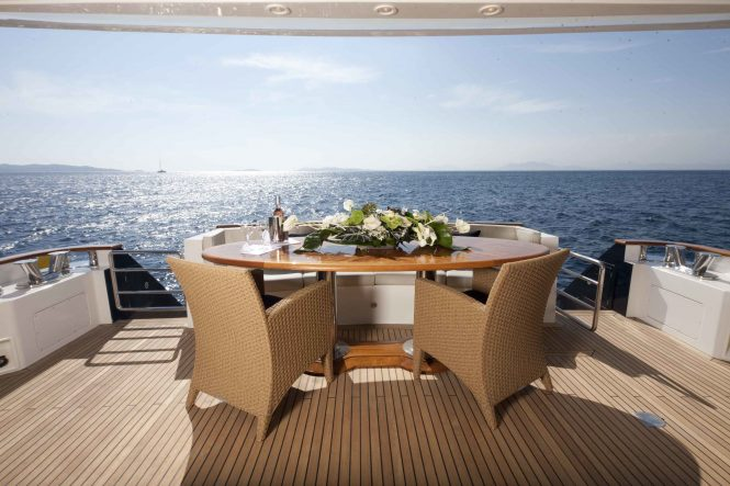 Aft deck offering alfresco dining area