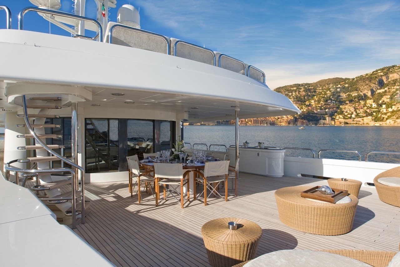 Aft deck with seating and alfresco dining option