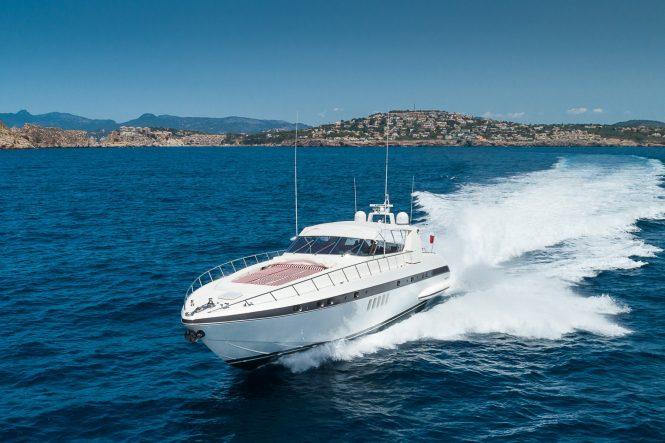 Open style motor yacht MINU LUISA