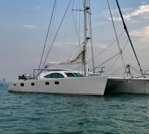 22m luxury catamaran yacht LAYSAN offering three free dives in the Caribbean