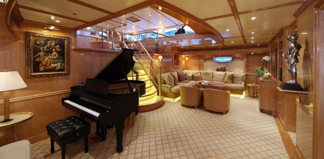 Saloon with a grand piano