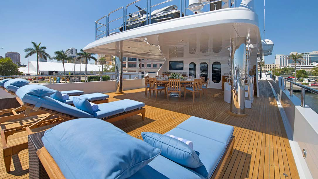aft deck with alfresco dining option