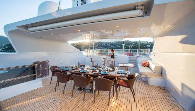 vast sun deck