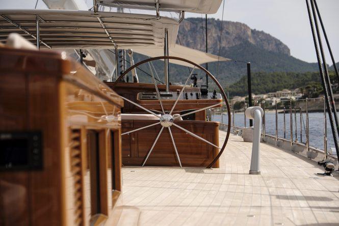 Deckhouse detail - wheel - Photo credit Carlo Baroncini