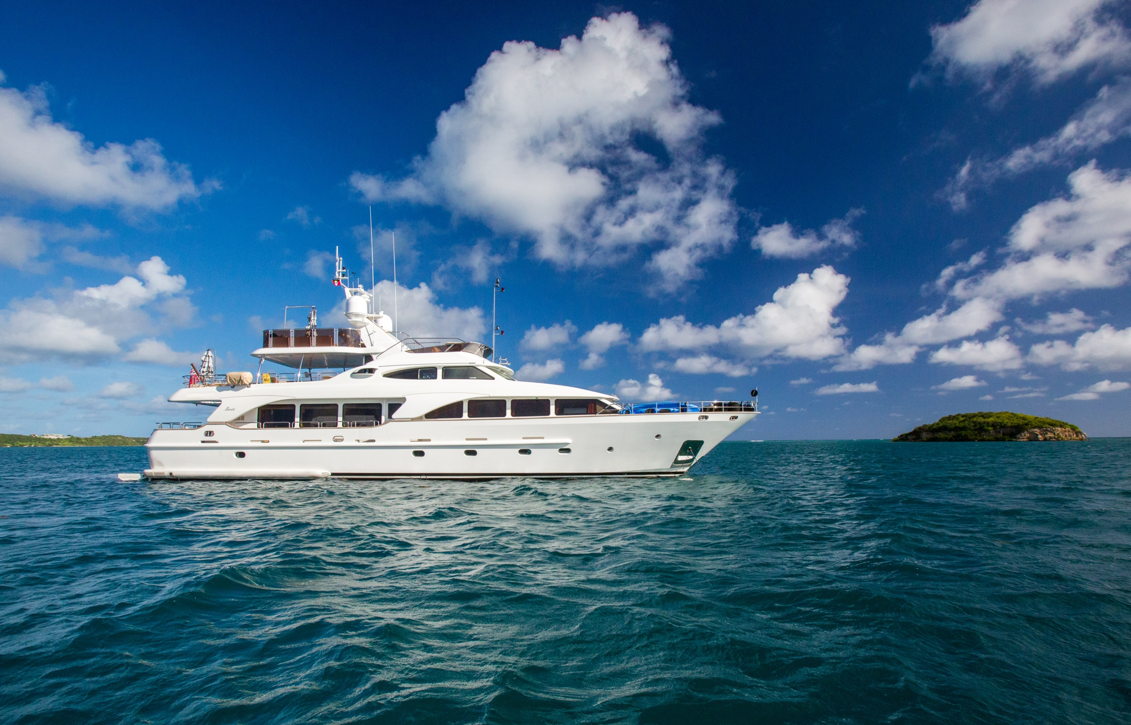 JAZZ motor yacht profile