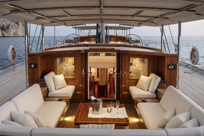 Luxury sailing yacht AQUARIUS - from exterior looking inside ...