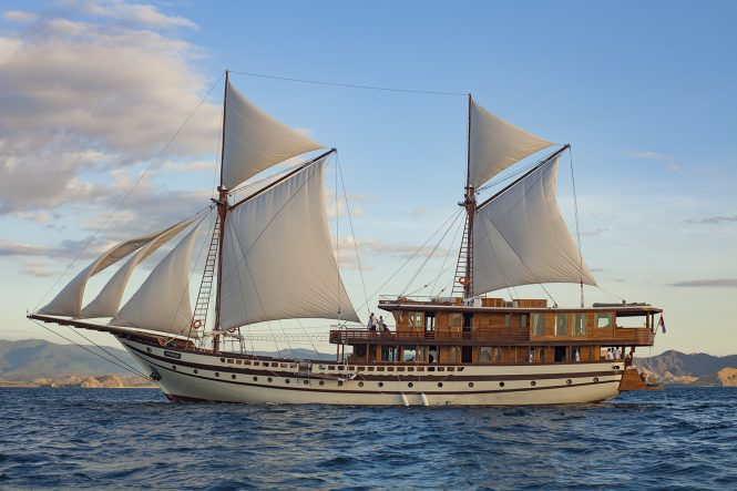 Sailing Phinisi Yacht PRANA