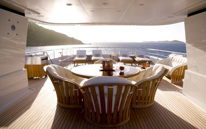 Aft deck with seating