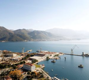 Montenegrin Government signs contract with Porto Montenegro Damen for Bijela shipyard redevelopment