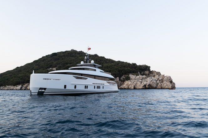 Luxury yacht Virgen del Mar VI - sistership to NOZOMI II