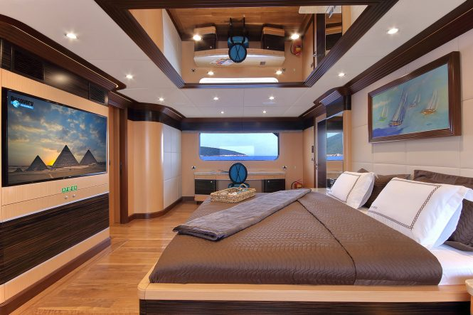 Master stateroom with ensuite bathroom facilities