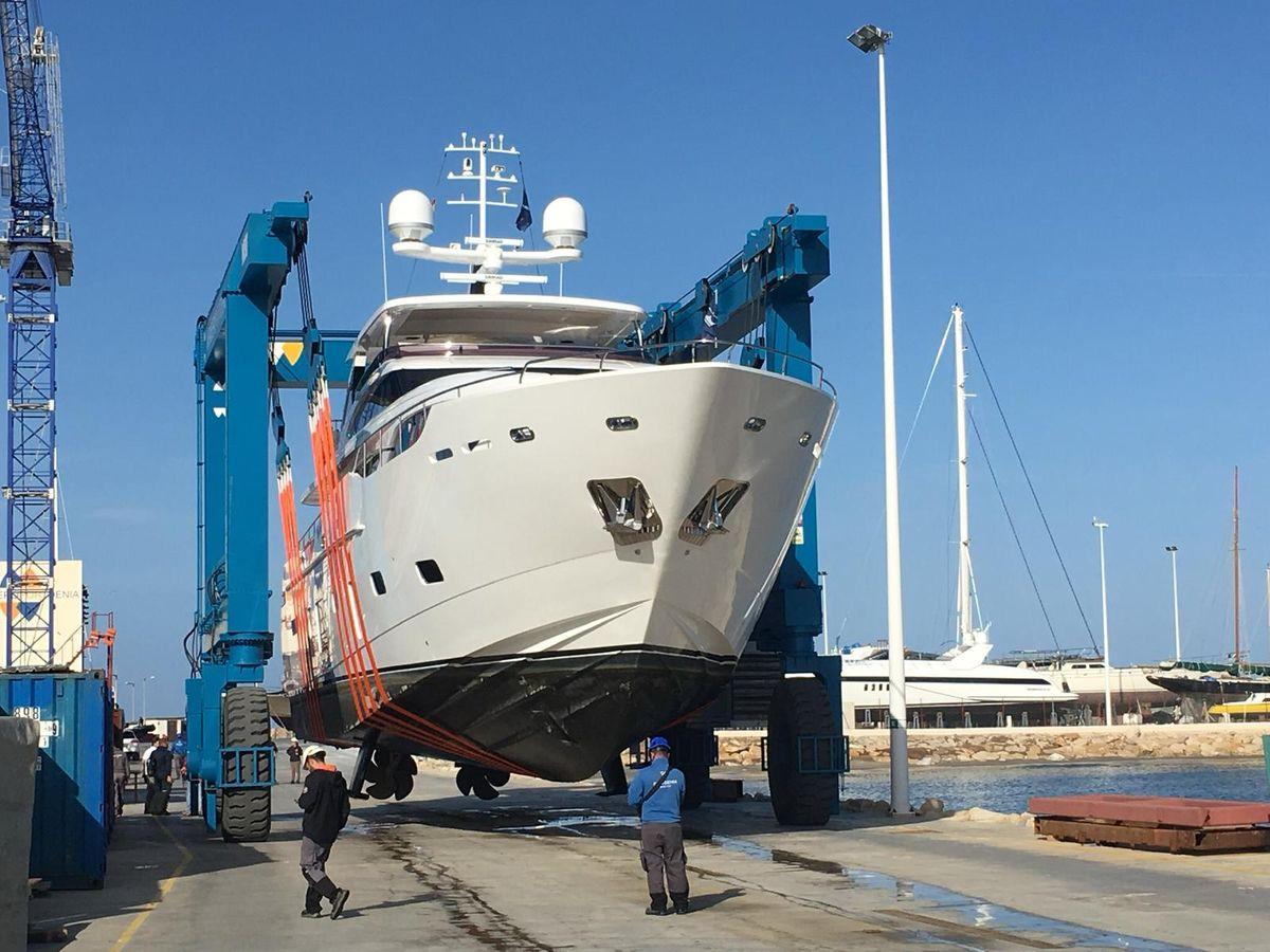 Motor yacht BANDAZUL