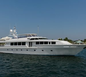 Discounted charter rate for Bahamas superyacht SAVANNAH