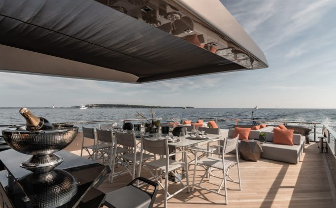 Spacious aft deck with alfresco dining area
