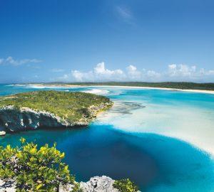 17m Lagoon catamaran yacht AMURA II offering 10% off Bahama charters