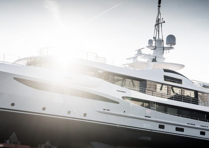 AMLES 473 Superyacht from the Limited Editions Range