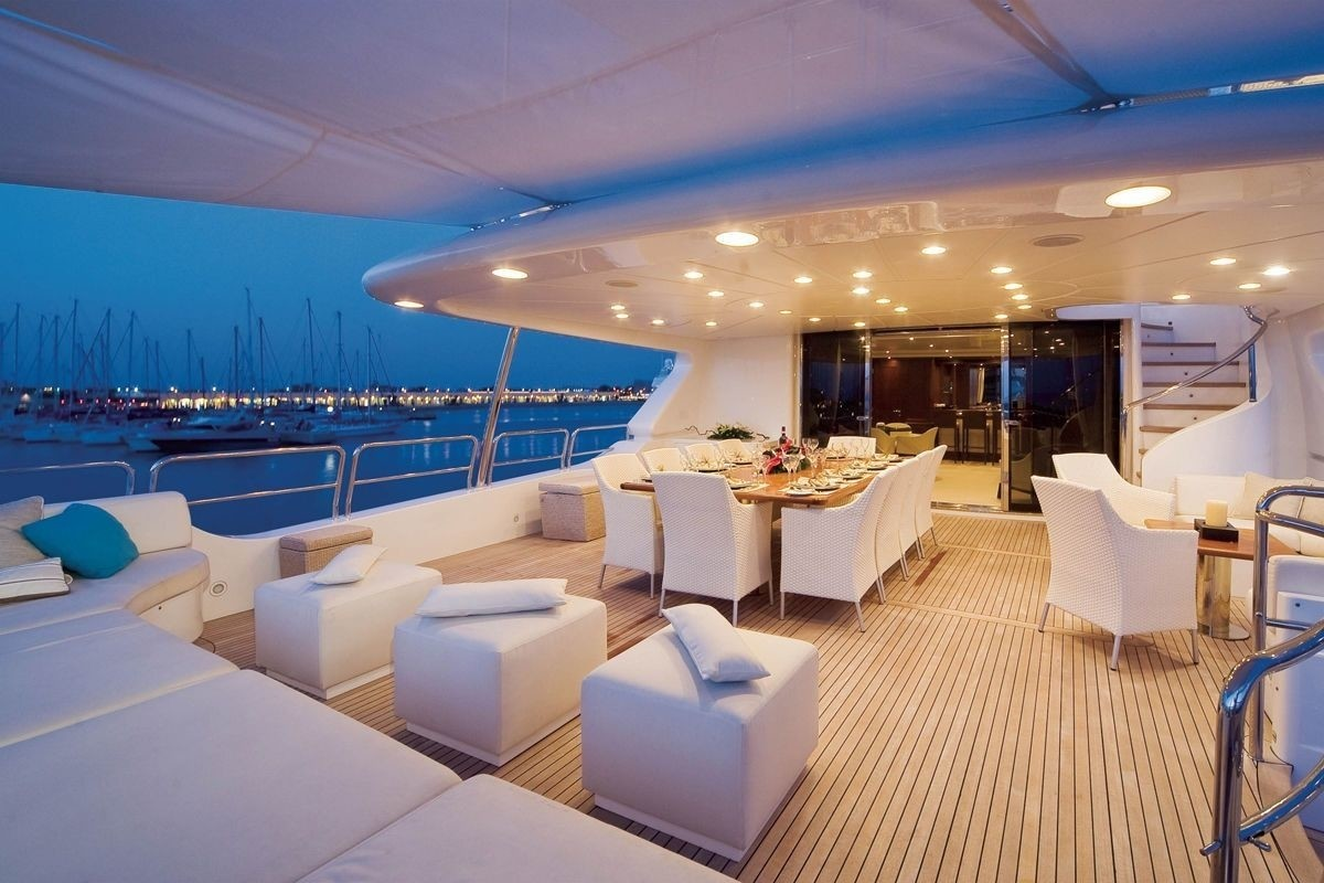 Aft deck alfresco dining option for an elegant and pleasant dinner