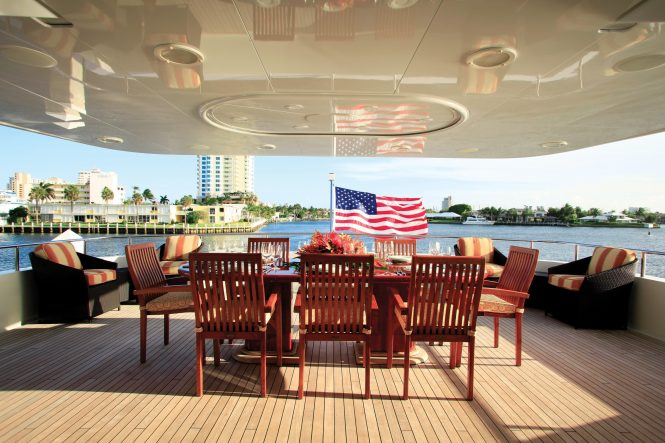 Aft deck alfresco dining with seating