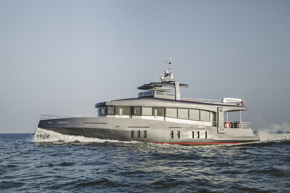 Motor yacht TIMELESS