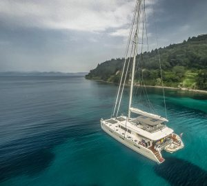 5% Discount on Tahiti Yacht Charters with 19m Lagoon Cat OCEAN VIEW