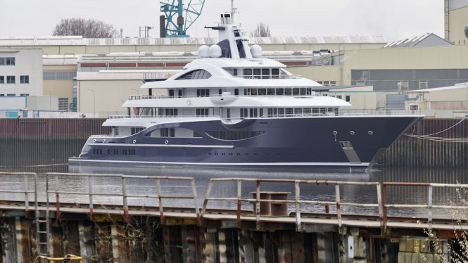 111m SuperYacht TIS - Photo DrDuu