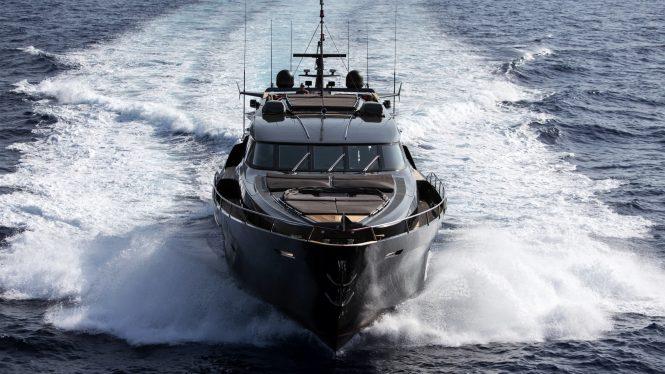 ASCARI 1 yacht running