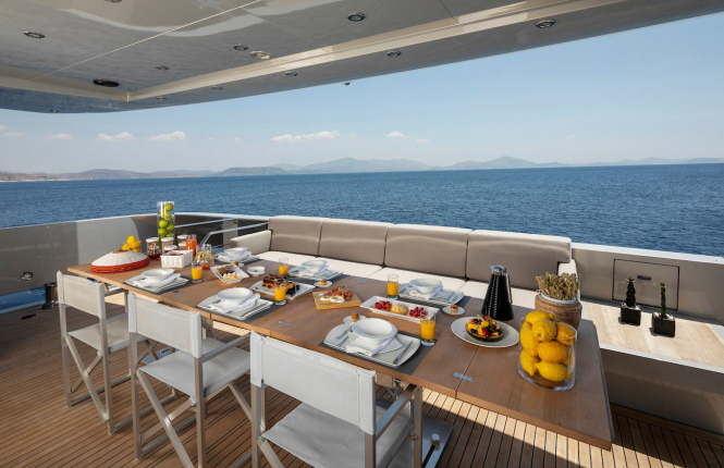 Aft deck with a great al fresco dining option