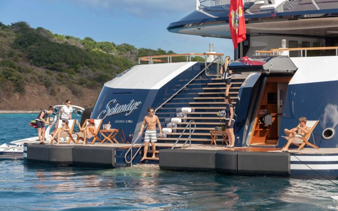 Exceptional beach club to enjoy the water and the wide selection of toys