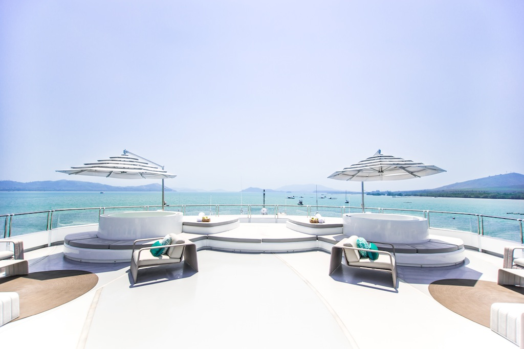 Sun deck with two Jacuzzis and fabulous areas to lounge around