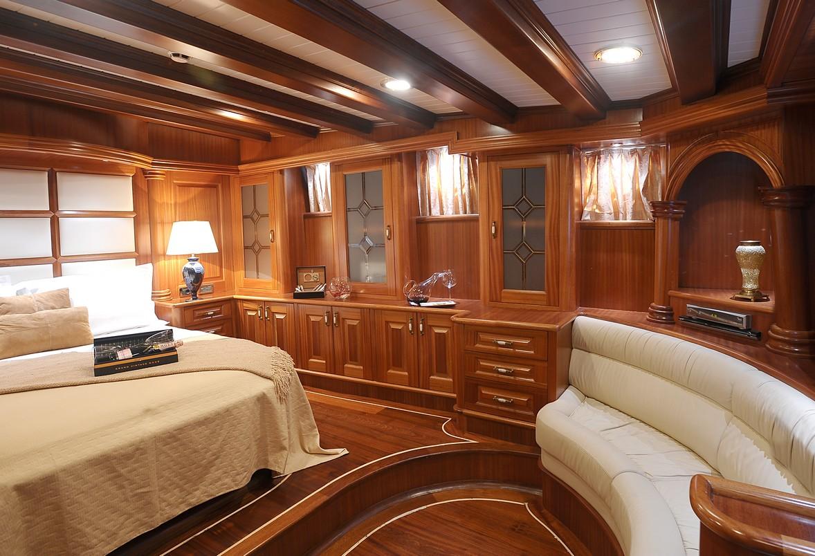 Beautiful classic interiors of Kaptan Kadir