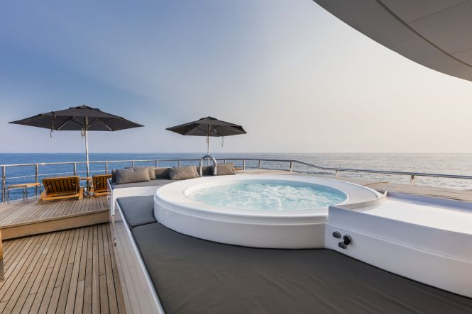 Fabulous Jacuzzi on sun deck