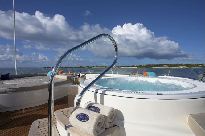 Jacuzzi on board with sun pads