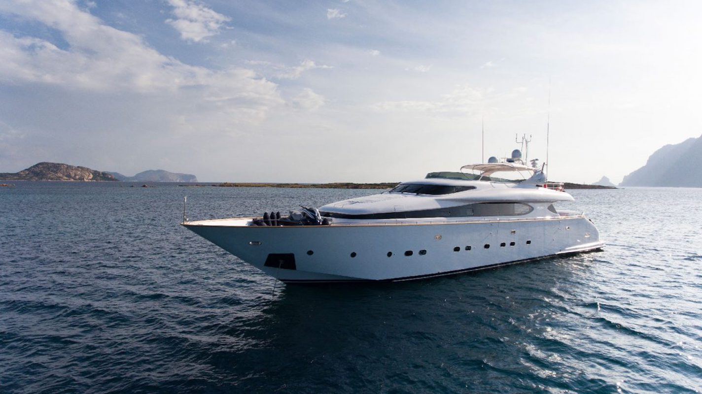 Motor yacht AMAYA available in the Western Mediterranean